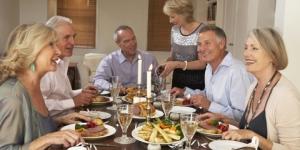 arranger middag eller fest som innsamling for verdige smil